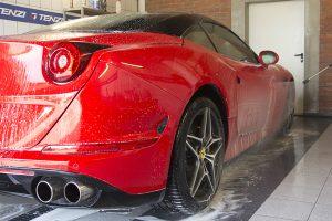 Kompleksowe mycie i czyszczenie aut